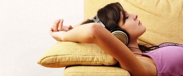 evde muzik dinleme