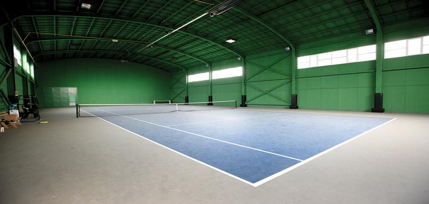 tenis kortu açmak