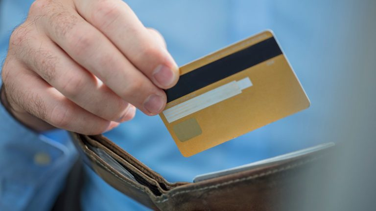 Kredi Kartı Ödeme Erteleme Nasıl Yapılır?